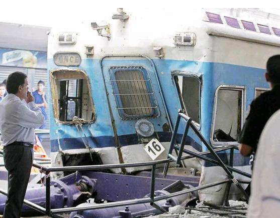 http://cubaout.files.wordpress.com/2012/02/choque-tren-argentina.jpg
