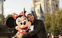 Juanes tambien promueve en Disney